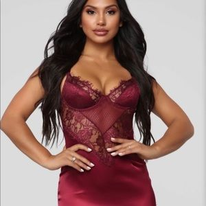 Fashion nova burgundy dress